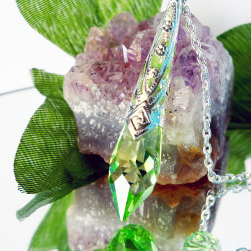 green crystal pendulum